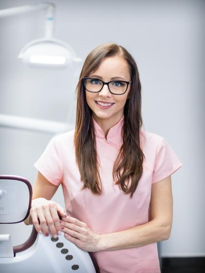 Dr. Fehér Ágnes - Dentist